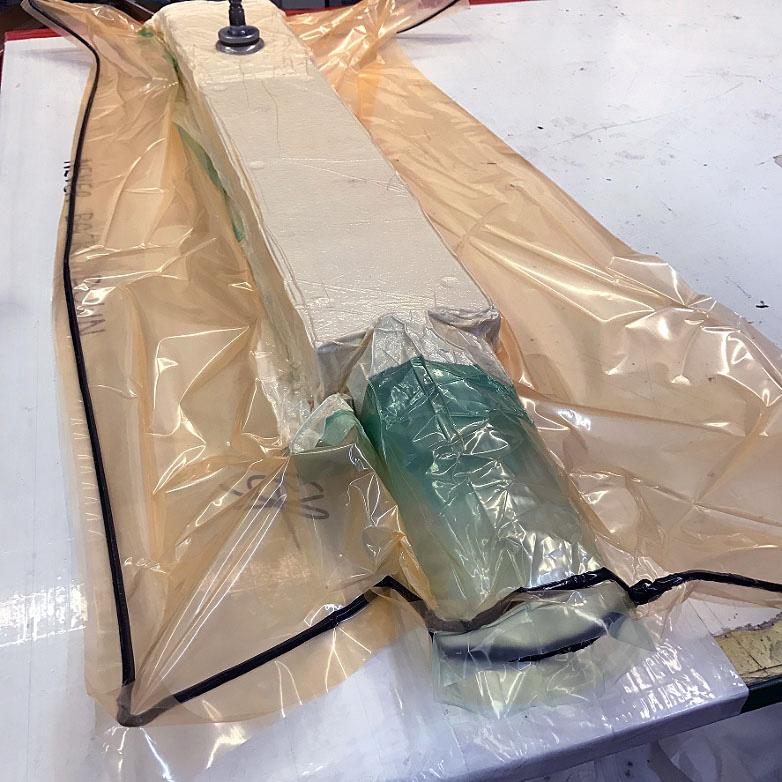 Η κατασκευή ενός από τους νέους carbon σωλήνες Fidusa / manufacture of new carbon frame tubing