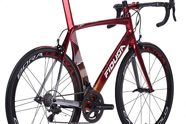 handmade-carbon-road-bicycle11-600x400 Veleno Carbon Road Race Bicycle
