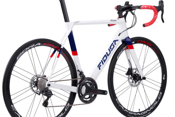 handmade-carbon-aero-disc-road-bicycle2-scaled-600x400 Stathis' F18D Carbon Aero Road Disc Bicycle