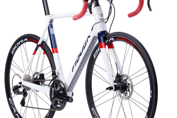 handmade-carbon-aero-disc-road-bicycle6-scaled-600x400 Stathis' F18D Carbon Aero Road Disc Bicycle